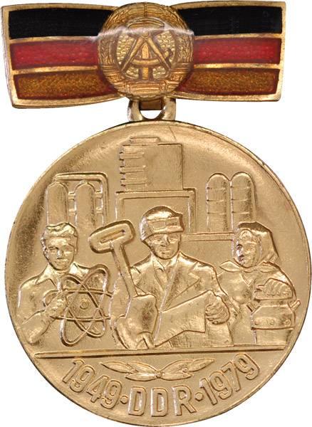 Ehrenmedaille 30 Jahre DDR 1979